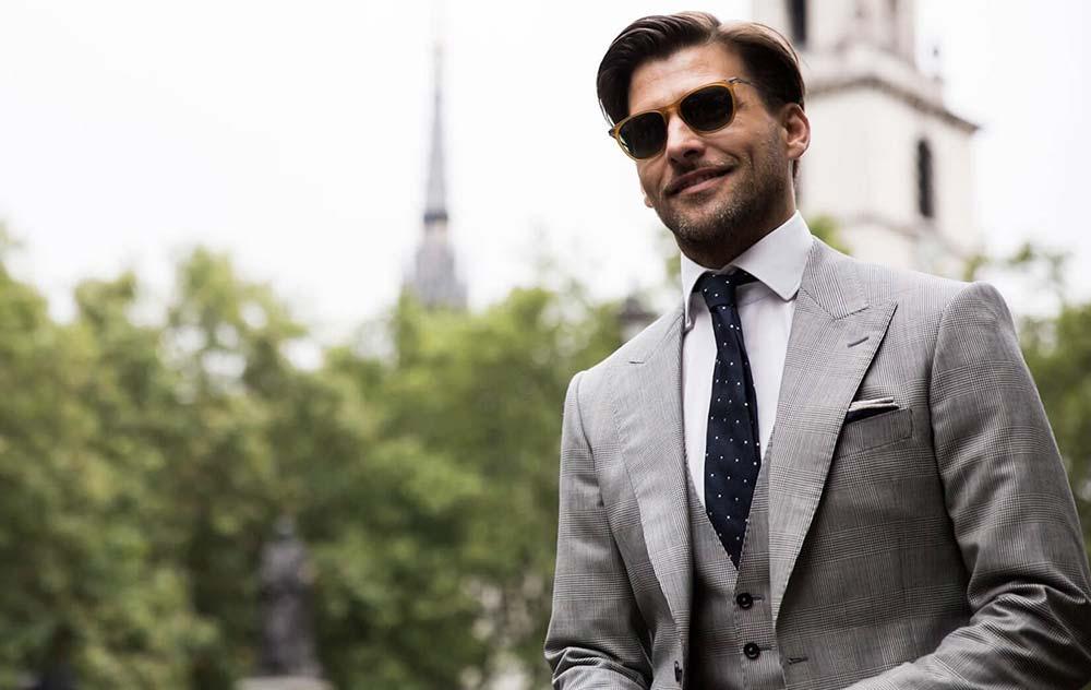 Abito da uomo grigio  come indossarlo in maniera perfetta! 951cb9b8ab6